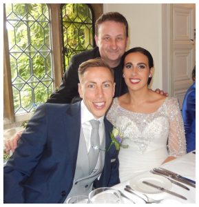 Magician Bedford Close up magic for weddings, parties and wedding anniversaries